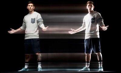 Adidas, Messi'nin UEFA'da Giyeceği Kramponları Tanıttı!... Futbol değişti. adidas iki tür oyuncu belirledi: kaosa neden olanlar ve her şeyi kontrol edenler. Yalnızca bir tane istisna var. İstisnai bir oyuncu. Oyunun ötesine geçen bir oyuncu. O, tüm zamanların en iyisi: Leo Messi.