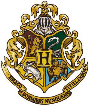 Hogwarts mustangs and trunks on pinterest - Gryffondor blason ...