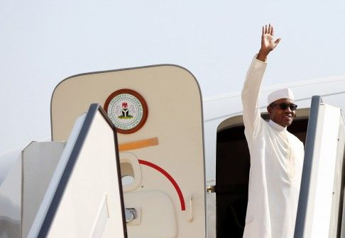 Buhari goes to UAE for future energy summit, state visit - http://www.thelivefeeds.com/buhari-goes-to-uae-for-future-energy-summit-state-visit/