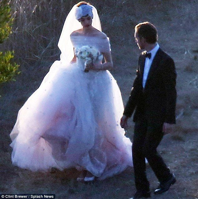 Not Another Pink Wedding Dress Jessica Biel Is Just The Latest In A String Of Stars To Go For Blushing Bridal Look
