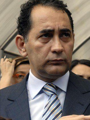 Condenação tira João Paulo Cunha do cenário político por pelo menos 14 anos.