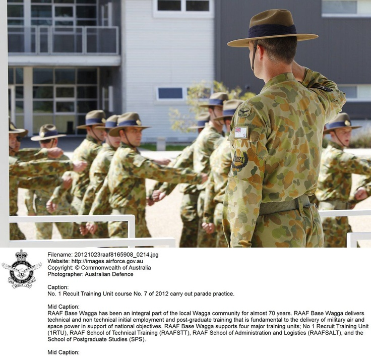 20121023raaf8165908_0214.JPG    No. 1 Recuit Training Unit course No. 7 of 2012 carry out parade practice.    © Commonwealth of Australia