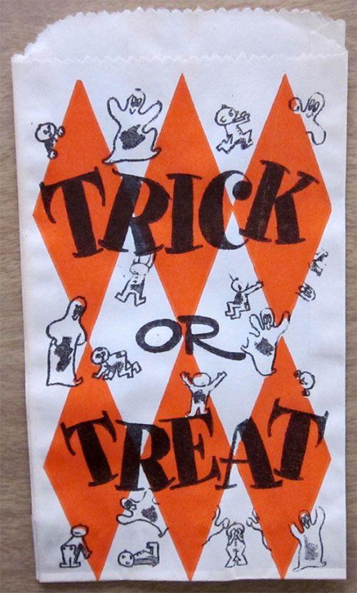 Happy Halloween | trick or treat paper bag ✭ vintage kids ✭ via Present & Correct