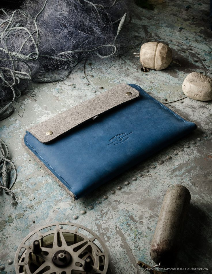 Leather MacBook/iPad Case & Stand | Ocean Blue