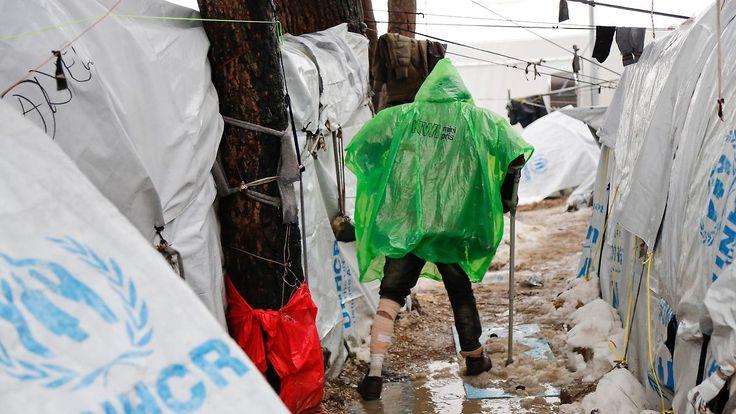 Hoffnungslosigkeit in der Kälte: Flüchtlinge leiden unter eisigem Winterwetter in Südeuropa