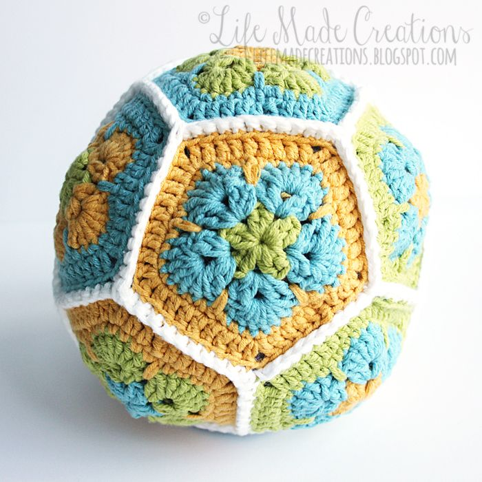 Life Made Creations: African flower dodecahedron tutorial. Link to pattern.