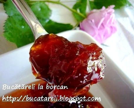 Dulceata din petale de trandafir / Rose petals jelly