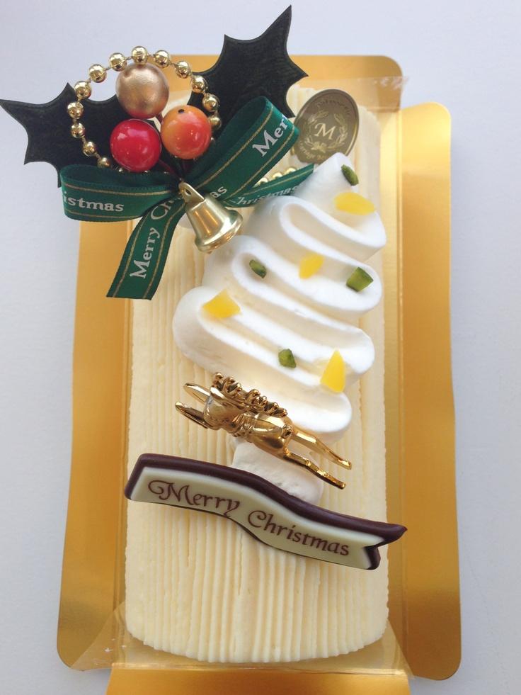 和栗モンブラン 2250円 しっとりスポンジと優しい甘さの和栗クリームのロールケーキ