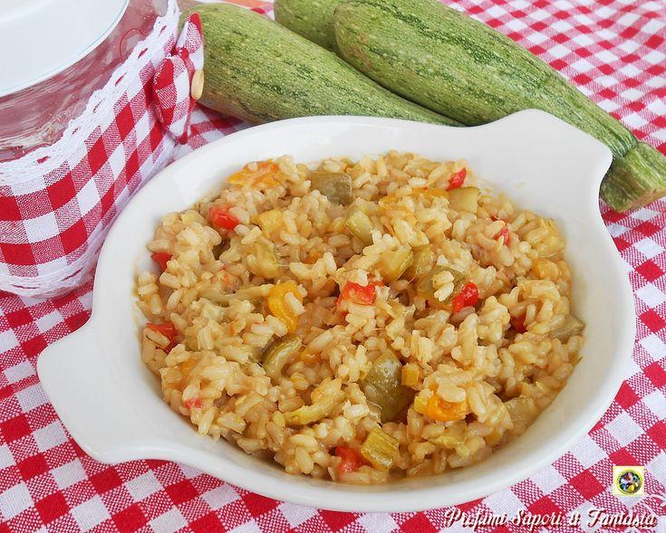 Il risotto integrale con zucchine e peperoni è un piatto adatto a tutti. Il riso…