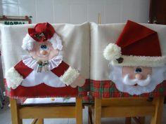 Dress a chair with Santa Clauss