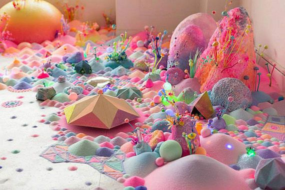【新作】まるでおとぎ話の世界のよう!キャンディーカラーに満ちた小宇宙!Pip&Popのインスタレーション作品
