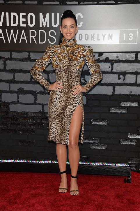 "Katy Perry channels her song ""Roar"" in Emanuel Ungaro at the VMAs"