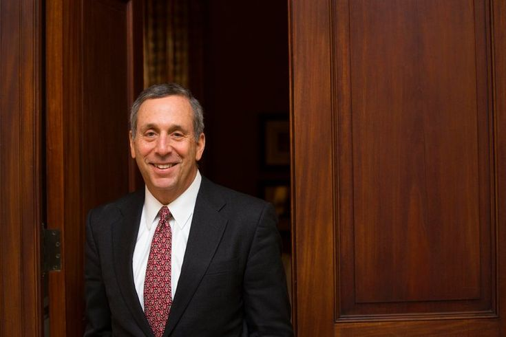 Mr. Bacow, a former head of Tufts University who is known as a capable manager, is seen as a safe choice at a time when the university is under pressure from Washington.