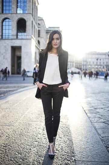 What to Wear to a Fall Internship: 35 Perfect Outfits | StyleCaster minimalist clothes women | modern minimalist clothes ideas | french minimalist style | chic minimalist style | minimalist style fashion | minimalist style clothing | classic minimalist style | minimalist outfits women | Scandinavian style | monochromatic fashion