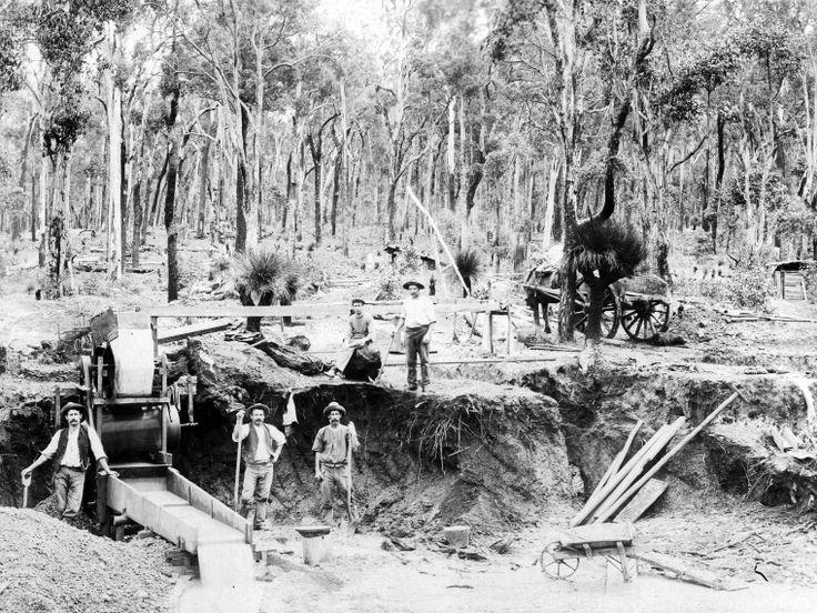 Tin mining' Greenbushes, ca 1905 http://encore.slwa.wa.gov.au/iii/encore/record/C__Rb3298257?lang=eng