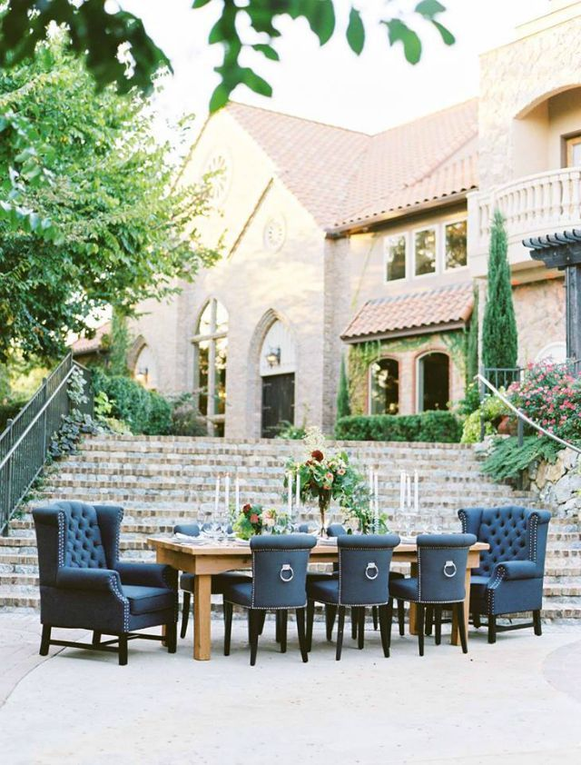 outdoor wedding venues dfw texas%0A Aristide   Walters Wedding Estates   Mansfield   Outdoor   Table Setting    Flowers   Stairs
