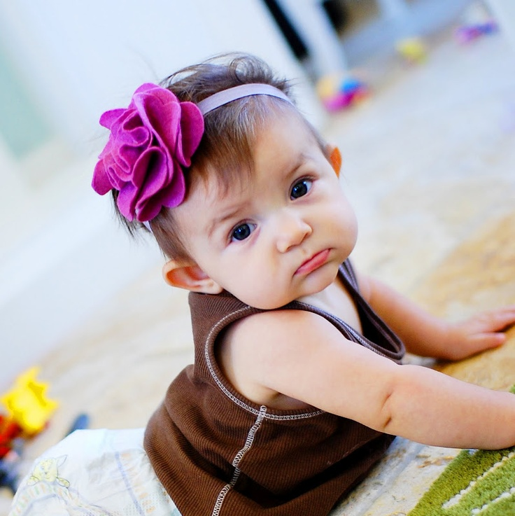 great baby headband tutorial!