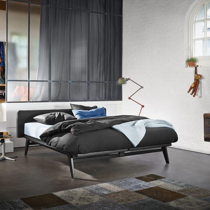 De Auping Original is een compleet bed met een helder ontwerp. Het mooi vormgegeven en krachtige frame gecombineerd met…