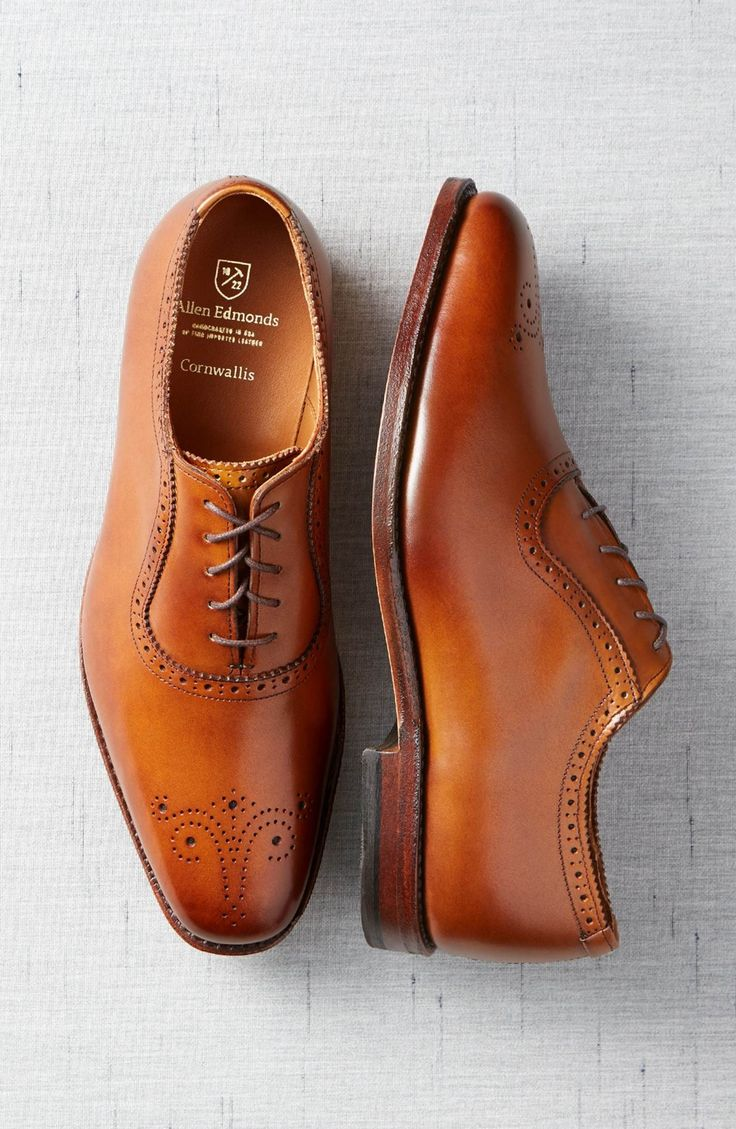 Main Image - Allen Edmonds 'Cornwallis' Medallion Toe Oxford (Men)