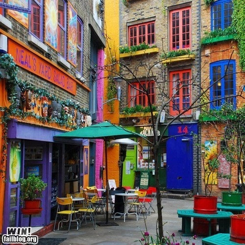 Colorful street: Favorite Places, Saladbar, S'More Bar, Color, Neal Yard, London England, Covent Gardens, Salad Bar, Coventgarden