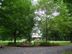 9 1/2 acres of gardens & greenery