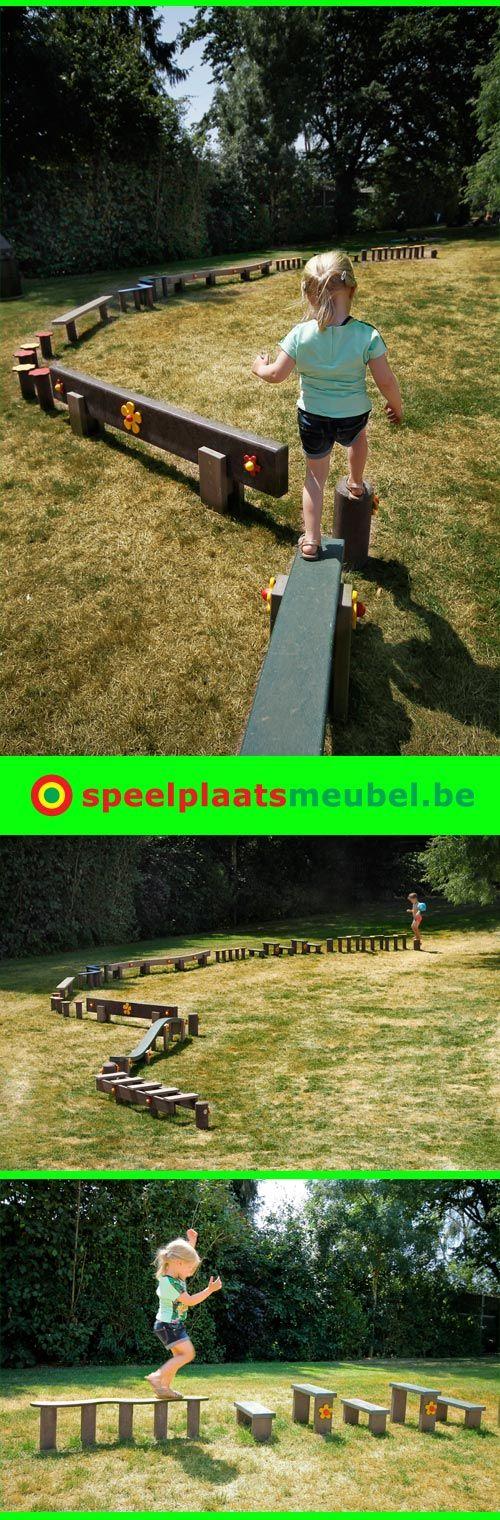 Onderhoudsvrij hindernissenparcours uit recyclage kunststof op de ligweide van het zwembad van stad Geel. Splintervrij en rotvrij, dus ook geschikt voor blote voetjes.