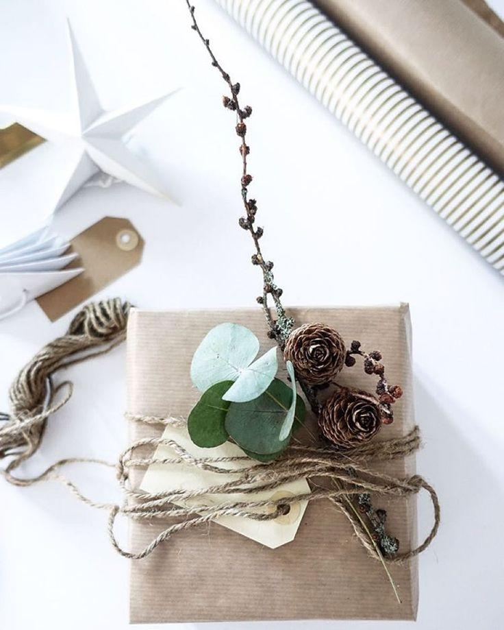 """""""/ new blogpost / This years christmas wrapping! //Lommer, magebelte og strikk - tips til innpakning av årets julegaver på bloggen i dag! #christmas15…"""""""