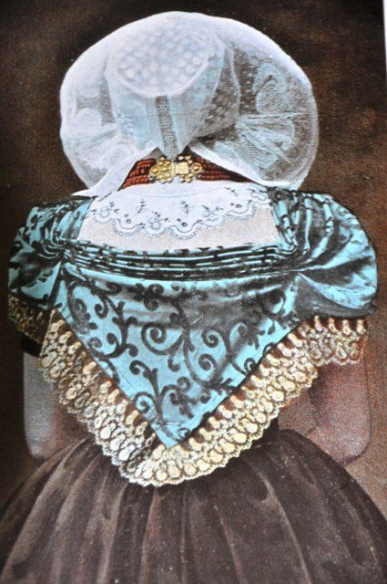 Walcherse vrouw op linnen doek. Formaat 90/140