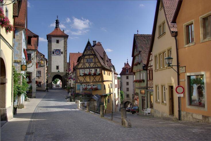 """Ротенбург-об-дер-Таубер, Германия. Уолт Дисней использовал образы этого города при создании мультфильма """"Пиноккио"""""""