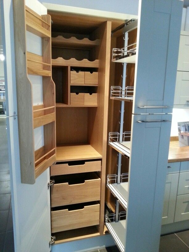 Larder storage pinterest 39 te mutfaklar depolama ve for Oak kitchen larder units