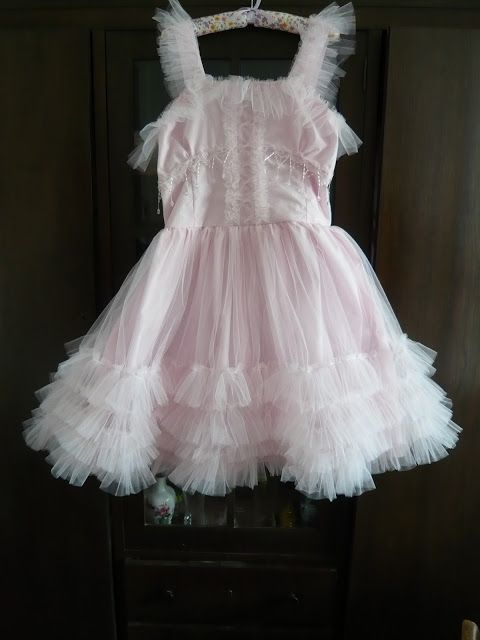 Dollhouse Diaries: Pink Meringue Dress is Finished!