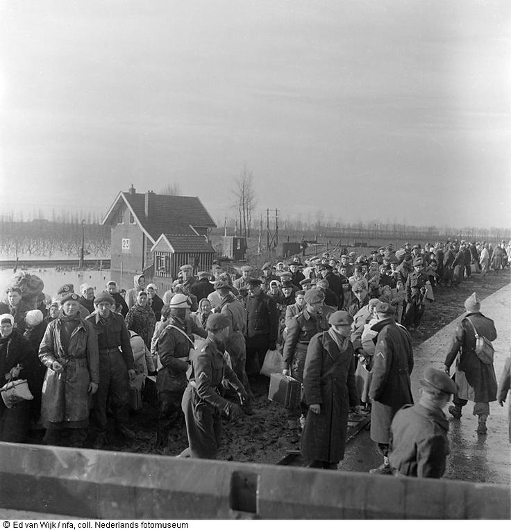 Evacués uit Krabbendijke.