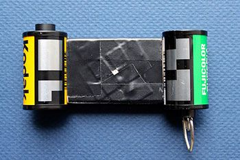 The Pinhole Camer: 35 mm Matchbox: diy instructions to make your own pinhole camera using a matchbox