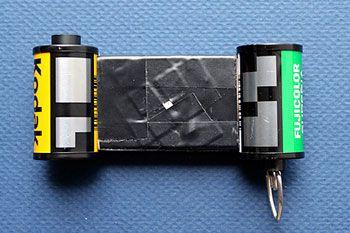 The Pinhole Camer: 35 mm Matchbox: diy instructions to make your own pinhole camera using a matchbox