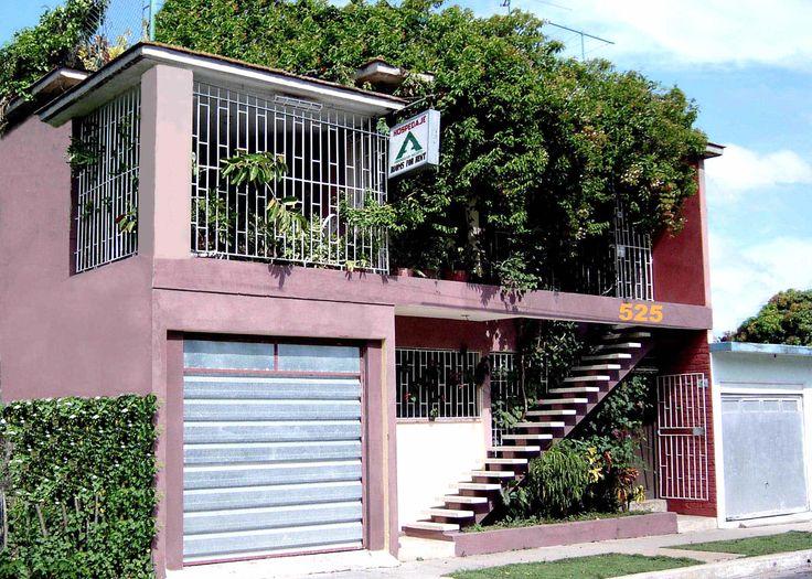 La Casa de Miriam G  Owner:                         Miriam Guerra de la Cruz  City:                            Camagüey  Address:                      Calle Joaquín de Agüero #525 entre 25 de Julio y Perucho Figueredo