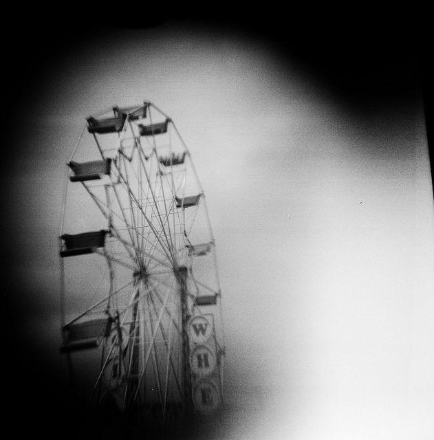 Ferris wheel by xenia elizabeth via flickr to add to the for Ferris wheel tattoo