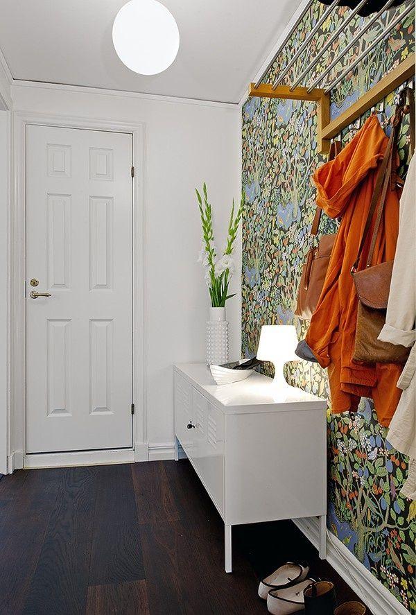 entrada papel pintado 6. mueble ikea PS_exterior con vitas_blog decoración