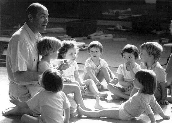Práctica Psicomotriz Aucouturier: qué es, para qué sirve y cómo es una sesión | Entre Actividades Infantiles
