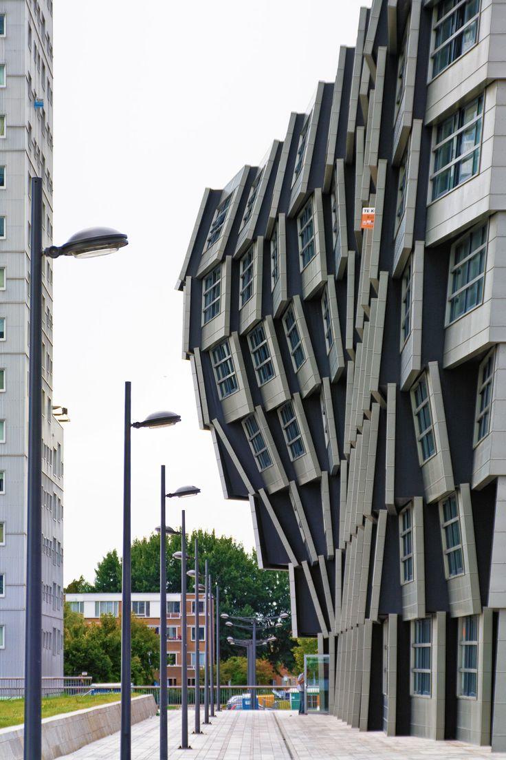 The Wave - Block 16 in Almere Stad, The Netherlands by René van Zuuk Architekten