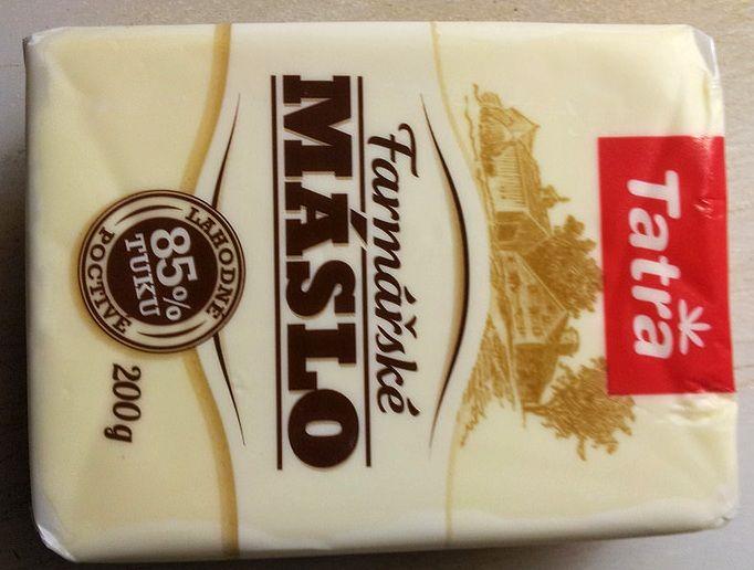 Češi máslo opravdu milují. Každý z nás ročně spotřebuje celých pět kilogramů! Ani Magdalena Dobromila Rettigová máslem nešetřila. Spotřebitelská organizace dTest tak zkoumala, co vlastně jíme.