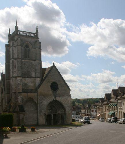 Longpré-les-Corps-Saints, Somme. Pop: 1664