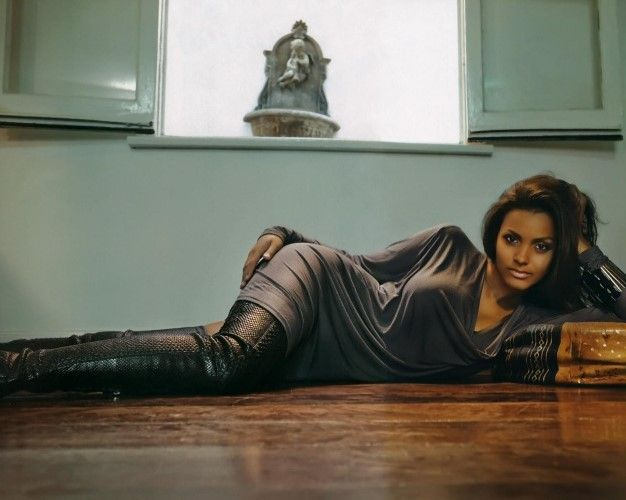 Jessica-Lucas-sexy-hot-Gotham-Tabitha-Galavan-Tigress-jessica-lucas-gotham-tabitha-galavan-tigress