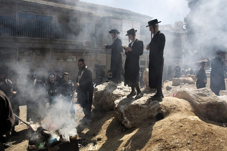 Pesach / Jewish Easter, 25 March 2013. (  Menahem Kahana / AFP  )