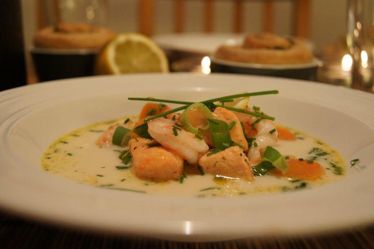 Dette er en enkel og sunn fiskesuppe som smaker kjempegodt. Du lager den på godt under halvtimen så denne er fin til hverdags, men passer seg også godt som varmende søndagssuppe:) Januar er jo en m…