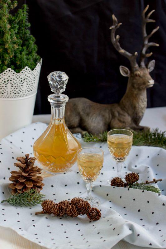 Selbstgemachter weihnachtlicher Quittenlikör - Adventskalendertürchen Nr.24 - - Sasibella