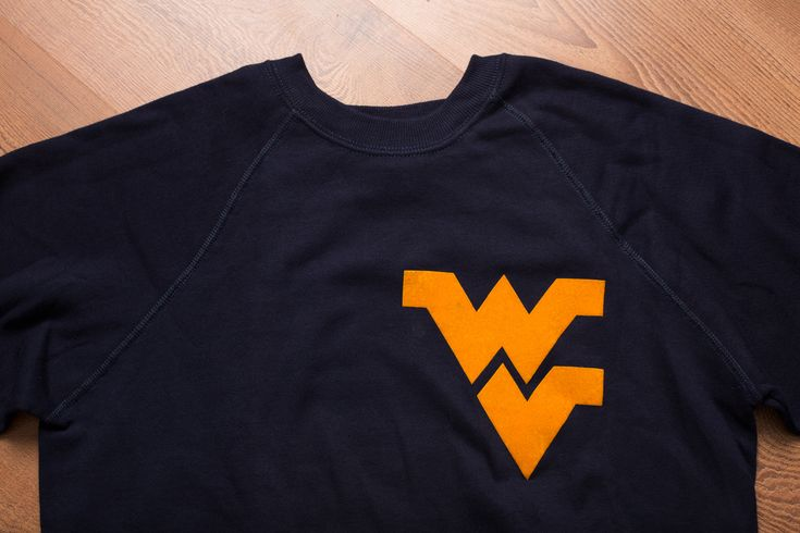 Vintage 80s West Virginia University Crewneck Sweatshirt, College Mountaineers Apparel