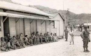 Tienda mixta y almacén del batey del Uvero, convertida en cuartel de tropas del Ejército batistiano a principios de 1957. Foto tomada meses antes del combate. (Autor no identificado)