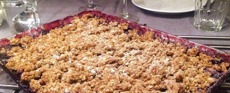 Gewoon wat een studentje 's avonds eet: Kerstdiner: Na: Crumble met rood fruit en vanille-ijs