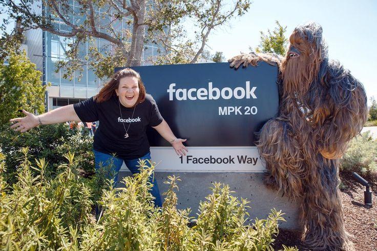 Succès de sa vidéo sur le masque de Chewbacca: Facebook l'invite