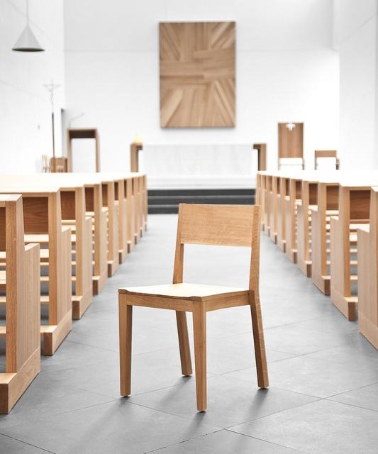 ONDARRETA | Iesu chair designed by arch. Rafael Moneo